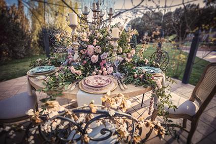 Décoration de mariage pour un centre de table chic, romantique , à la Alice aux pays des Merveilles