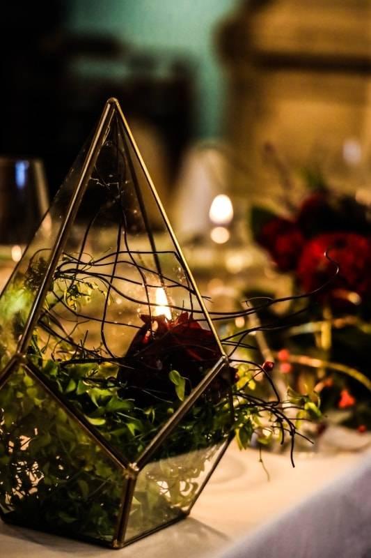 Idée décoration pour une table chaleureuse d'un mariage contemporainby DREAM IT events planner